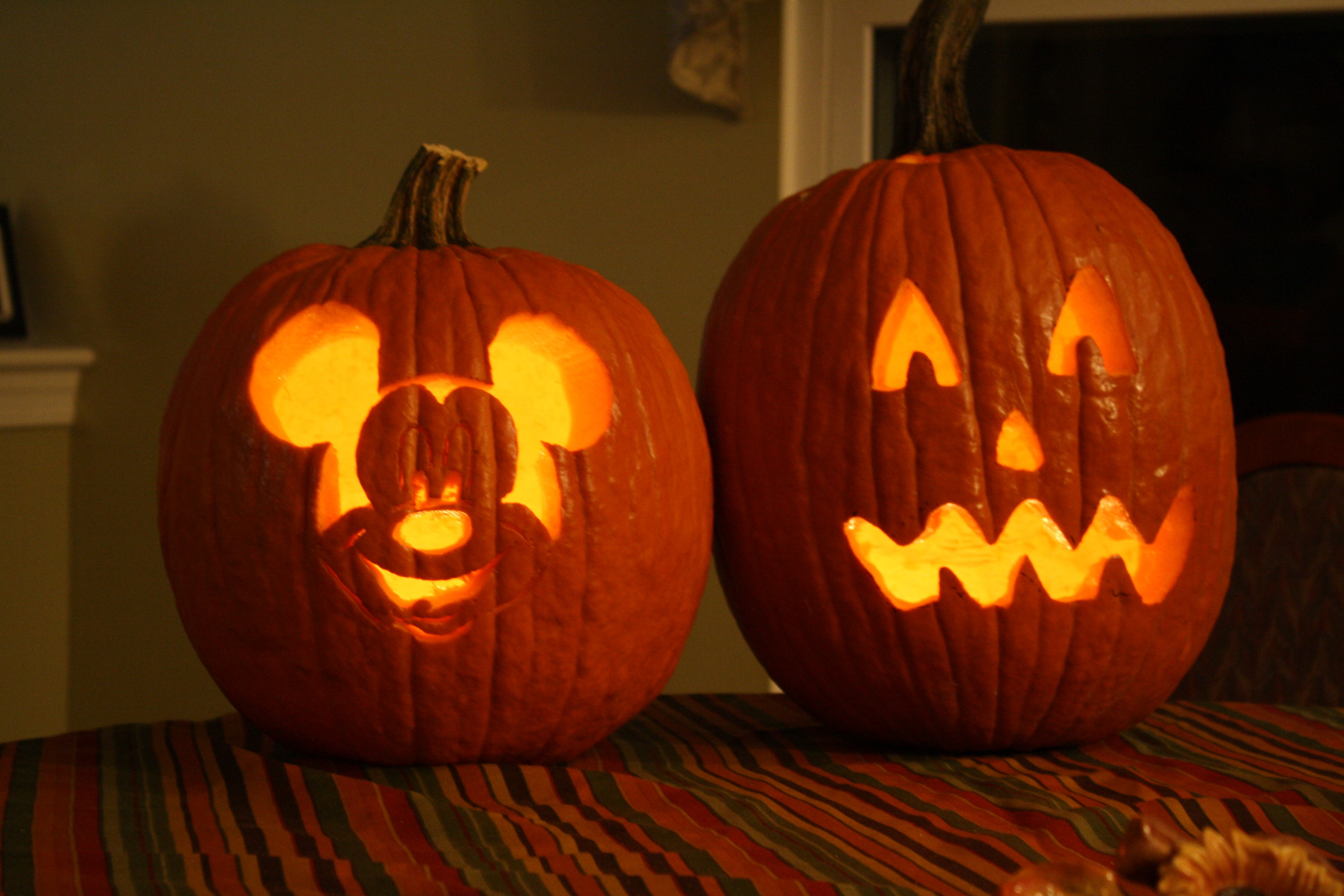 Ways To Do Halloween Disney Style Dw Dads J R Domenic With Magical Moments Vacations